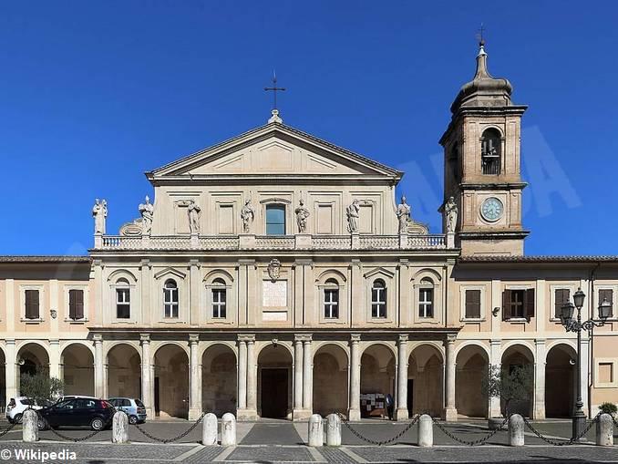 Duomo_di_terni,_esterno_06