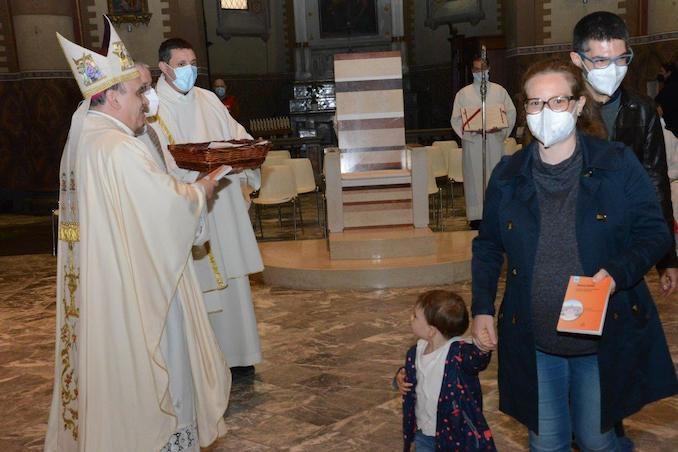 Il Vescovo apre l'Anno della famiglia e accoglie un aspirante al diaconato 1