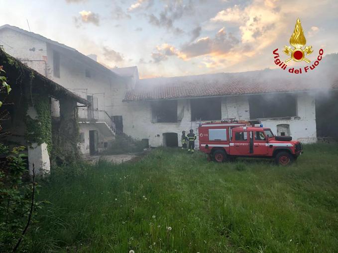 Incendio casolare disabitato frazione San Rocco di Busca