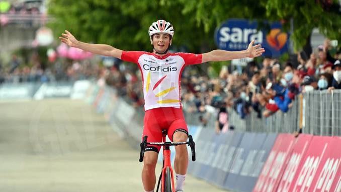 Giro d'Italia: vittoria solitaria di Lafay. Domani arrivo in salita