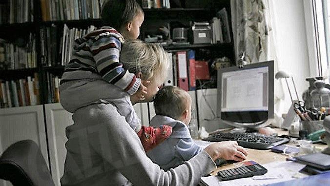 L'anno orribile delle mamme lavoratrici, c'è allarme regressione: oggi «Festa della mamma» è l'occasione per parlarne