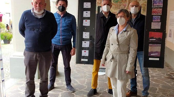 """Inaugurata  a Neive una mostra per commemorare il """"grappaiolo angelico"""" Romano Levi"""