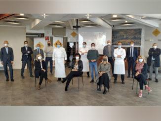 "Alba: ""La grande cena di città"" supera quota 1200 menu ordinati e dà l'arrivederci al 2022 in presenza"