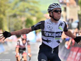 Giro d'Italia: sullo sterrato toscano vince lo svizzero Schmid. Sobrero è quarantasettesimo