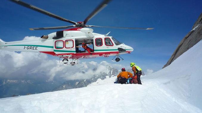 Alpinista cuneese muore travolto da una valanga in Valle d'Aosta