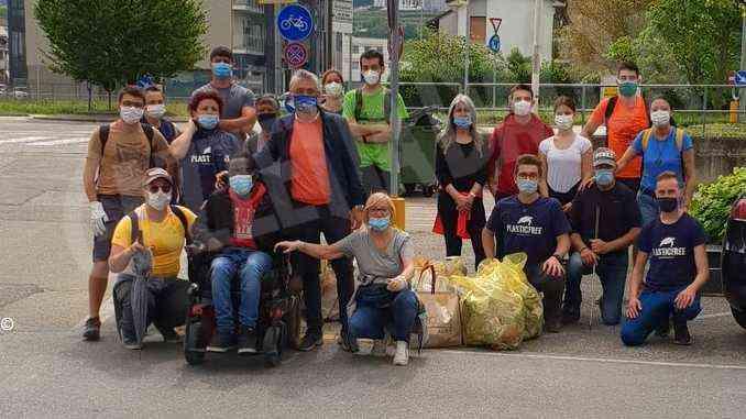 Volontari in campo per pulire i sentieri di Alba. Decine i sacchetti di immondizia raccolti 1