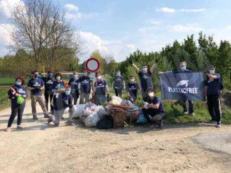 Plastic free: 150 volontari