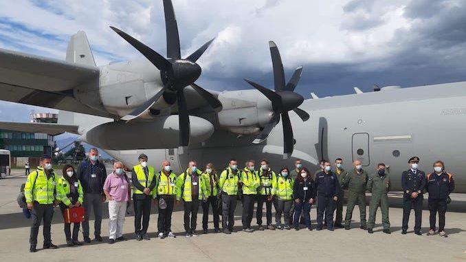 Partita dall'aeroporto di Torino la missione italiana che fornirà ossigeno all'India 4