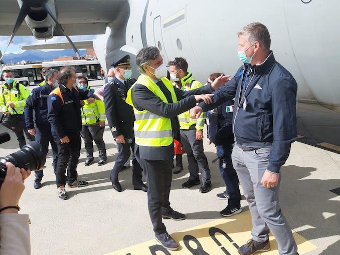 Partita dall'aeroporto di Torino la missione italiana che fornirà ossigeno all'India 3