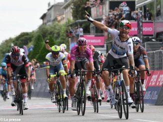Giro d'Italia: vittoria in volata di Nizzolo prima delle grandi montagne
