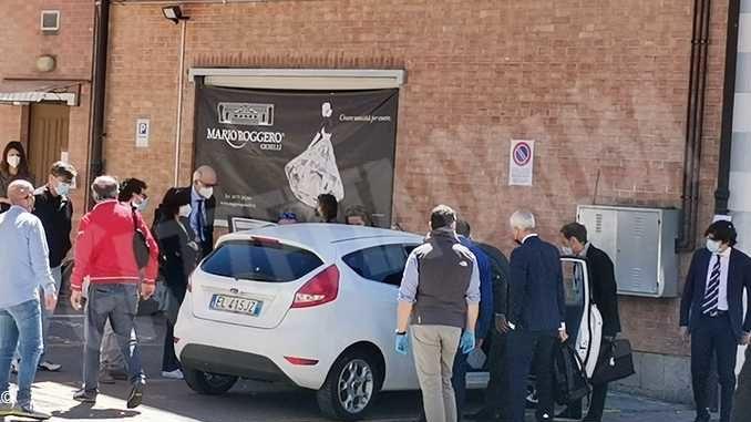 Rapina del Gallo: Rapina del Gallo: secondo la Procura Mario Roggero sparò fuori dal negozio