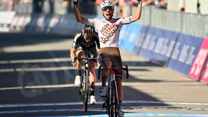 Giro d'Italia: vince Vendrame, Sobrero a 5 minuti dal gruppo dei migliori