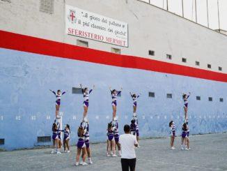 La pallapugno chiama, il cheerleading risponde