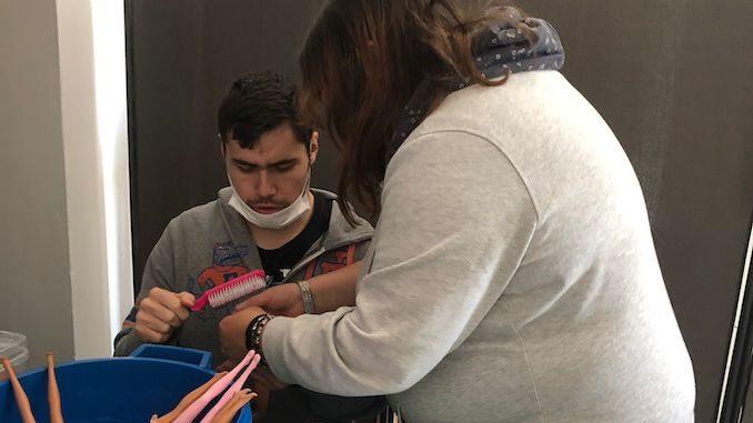 Angeli di Ninfa porta l'arte dell'inclusione a Striscia la notizia