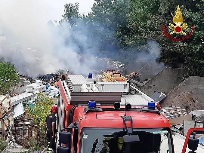 Asti – corso Savona – incendio di masserizie