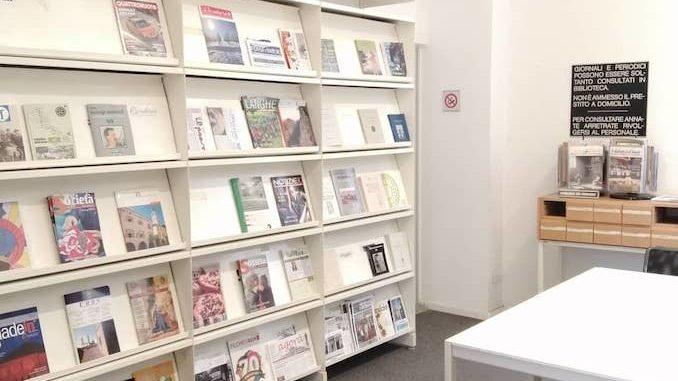 Ad Alba riapre la sezione dei periodici della Biblioteca civica Ferrero
