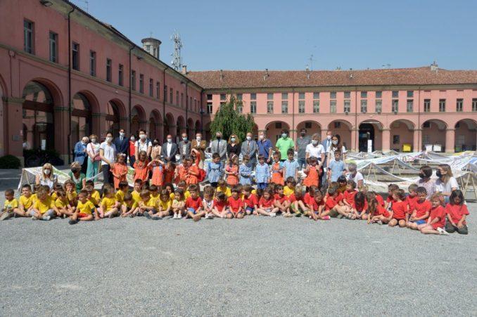 Alba: il sindaco Carlo Bo, insieme ai primi cittadini di Langhe e Roero, ha incontrato al castello di Grinzane Cavour il Ministro per gli Affari regionali e le Autonomie Mariastella Gelmini, ospite dell'assemblea annuale di Confindustria Cuneo 5