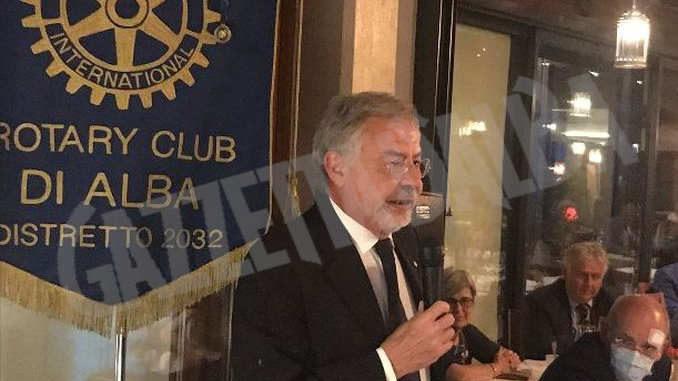 L'ospite del Rotary club Alba è stato Gianluigi Castelli