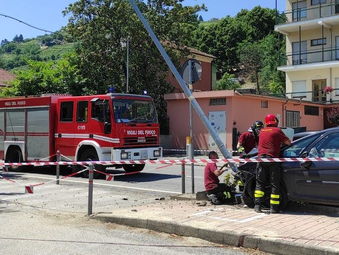 Santo Stefano Belbo: incidente in via Stazione, nessun ferito