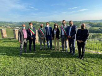 Alba: il sindaco Carlo Bo, insieme ai primi cittadini di Langhe e Roero, ha incontrato al castello di Grinzane Cavour il Ministro per gli Affari regionali e le Autonomie Mariastella Gelmini, ospite dell'assemblea annuale di Confindustria Cuneo