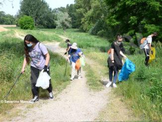Spazzamondo ad Alba: le immagini della giornata dedicata all'ambiente