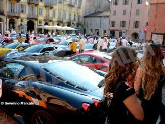 Raduno di Ferrari e Lamborghini ha fatto tappa ad Alba 4