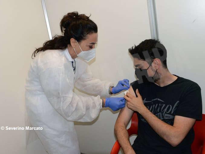 Proseguono le vaccinazioni anti Covid-19 all'Aca 3