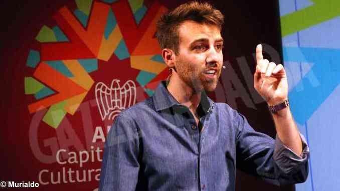 Abitare il piemontese di Paolo Tibaldi arriva sul palco del palaAlba capitale