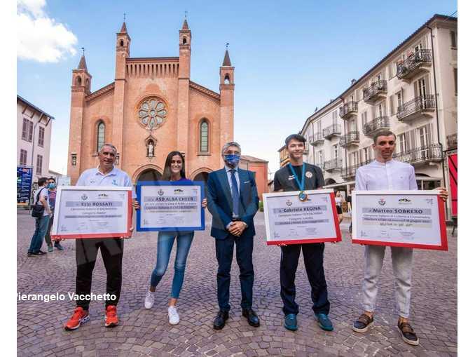 Sobrero, Alba cheer, Bossati e Regina, Alba premia i suoi campioni nazionali