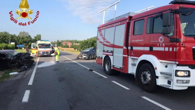 Frontale sulla statale 231 a Magliano Alfieri: due feriti e traffico in tilt