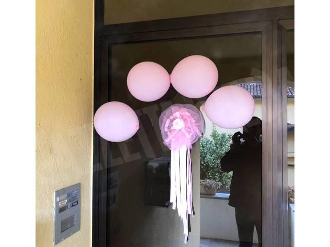 Duemila palloncini rosa da Alba a Tre Cunei per la nascita di Reina Martina