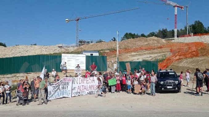 Marcia per l'ambiente a Trezzo Tinella: le foto della giornata