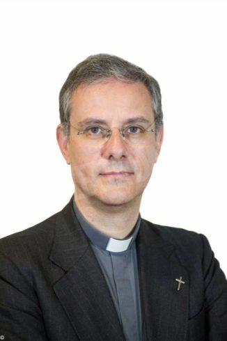 Editoriale San Paolo:  don Stimamiglio  condirettore di Famiglia Cristiana e don Vitale direttore di Credere e Jesus