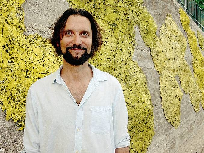 Licheni d'artista a Santa Vittoria per curare  le ferite del cemento armato