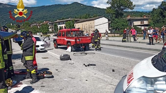 Scontro frontale a Bagnolo Piemonte, due feriti gravi