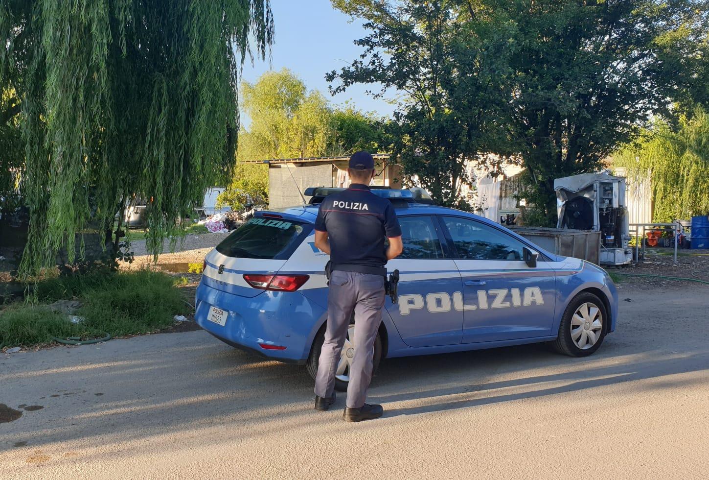 Polizia campo nomadi