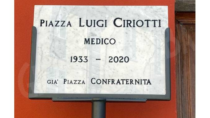 A Santo Stefano Belbo una piazza ricorda l'ex sindaco Luigi Ciriotti 1