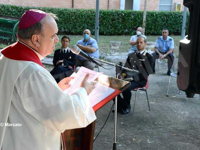 alba-carcere-messa-vescovo-brunetti