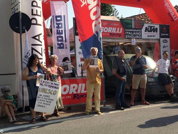 L'enduro danneggia i boschi! Marcia di protesta a Monteu Roero 1