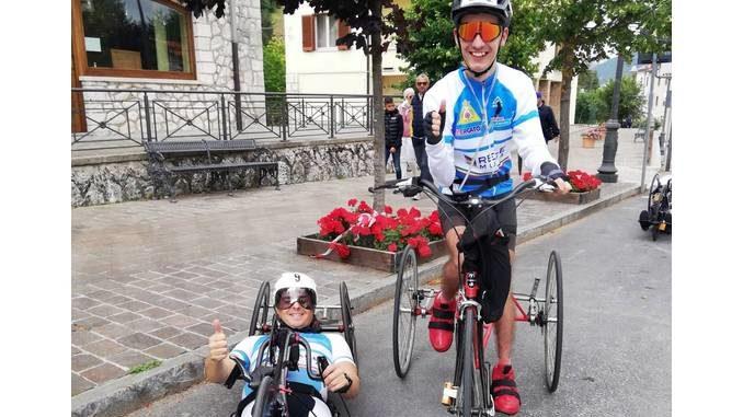 Gli atleti di Sportabili Alba in evidenza al Giro d'Italia di handbike