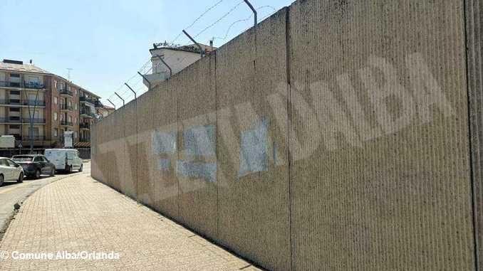Bando distruzione: si vota per abbattere il muro dell'ex caserma Govone 3