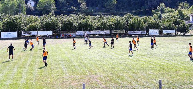A Cortemilia, nel derby in famiglia, i Blue battono gli Orange 4-2 2