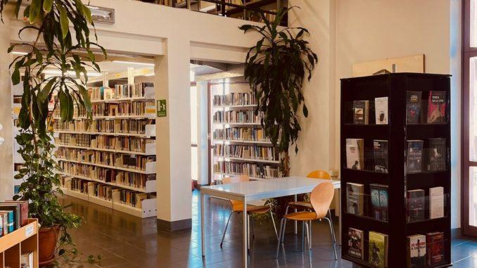 A Bra: biblioteca aperta per ferie