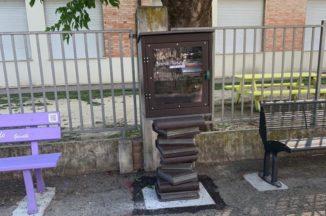 Santo Stefano Belbo rende omaggio a Cesare Pavese con le panchine letterarie
