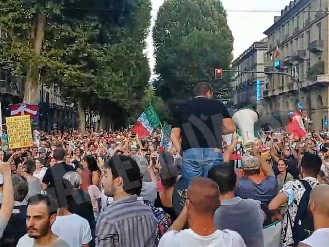 Protesta del 21 agosto 2021 a Torino