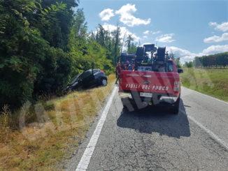 Auto fuori strada a Novello: donna elitrasportata a Cuneo