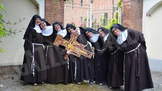 Festa di santa Chiara, il programma liturgico al monastero di Bra delle Clarisse