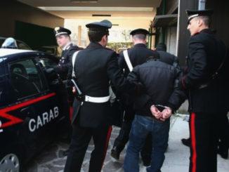 Rubano batterie: due giovani arrestati dai Carabineri