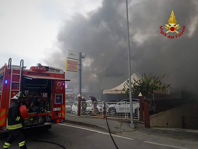 incendio alla concessionaria Automobili Massimino di Savigliano