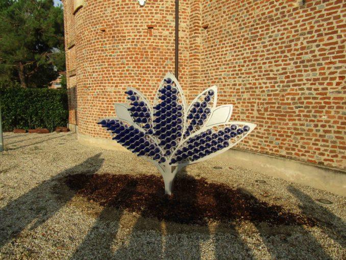 Fiore di loto in acciaio